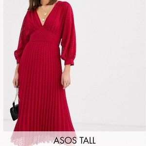 NWT! Gorgeous Red Batwing Pleated Midi Dress